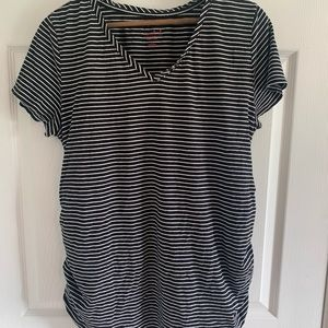 Black and white Maternity shirt Sz XXL
